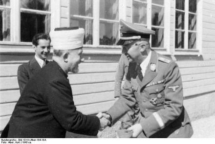 440px-Bundesarchiv_Bild_101III-Alber-164-18A,_Großmufti_Amin_al_Husseini,_Heinrich_Himmler