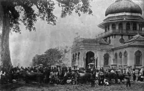 Mesjid Raya di Zaman Kolonial. (glory-travel.com)