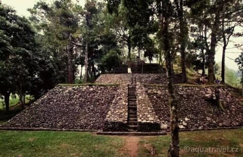 Candi Kethek (panoramio.com)
