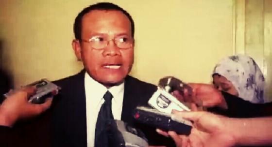 Foto-Sugeng Teguh Santoso saat memberikan keterangan kepada wartawan.