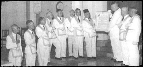 Upacara Peresmian pengurus baru & pada tanggal 7 April 1955 lahirlah Tarekat Mason Indonesia