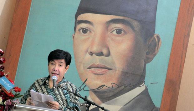 Putra mantan Presiden RI Soekarno (Bung Karno) Guruh Soekarnoputra saat berikan sambutan pada peringatan Hari Lahir 112 Tahun Bung Karno di Gedung Perintis Kemerdekaan, Tugu Proklamasi, Jakarta Pusat. Foto: Tempo
