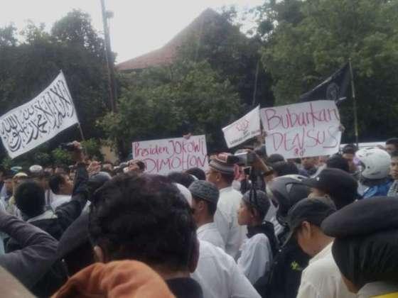 Laskar Umat Islam Surakarta (LUIS) Ingatkan Densus 88 Mengenai Haramnya Darah Seorang Muslim — muslimdaily.net