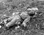 Hill 105: Tentara China terbunuh dalam pertempuran melawan Divisi Pertama Marinir, Korea, 1951.