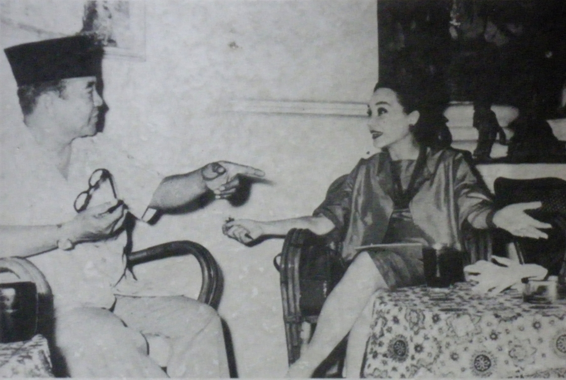 Bung Karno & Cindy Adams (rosodaras.wordpress.com)