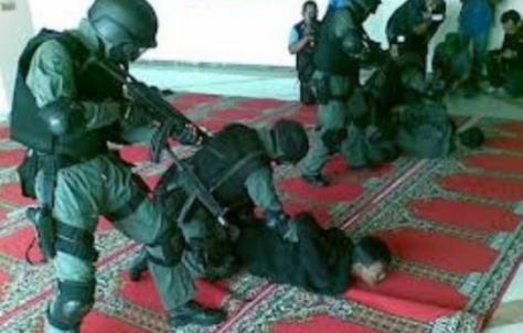 Anggota Komisi III DPR RI dari fraksi PKS Nasir Djamil mempertanyakan standar prosedur operasi (SOP) penangkapan yang dilakukan oleh Densus 88 dalam penanganan terorisme. — muslimdaily.net