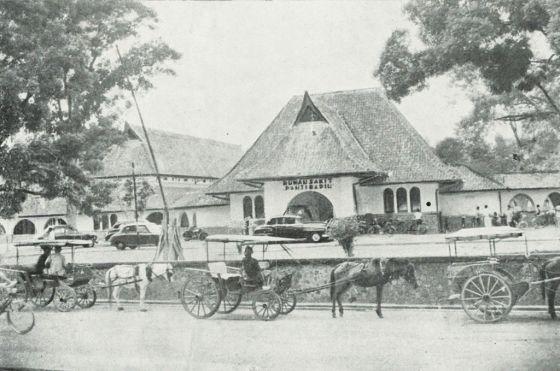 Panti_Rapih_Hospital_Yogyakarta,_Kota_Jogjakarta_200_Tahun,_plate_before_page_97