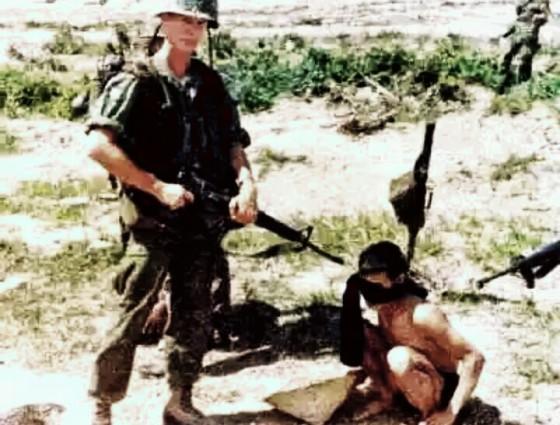Foto-foto Pembantaian My Lai membangkitkan kemarahan dunia dan menjadi suatu skandal internasional.