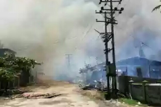 Pasar habis dibakar