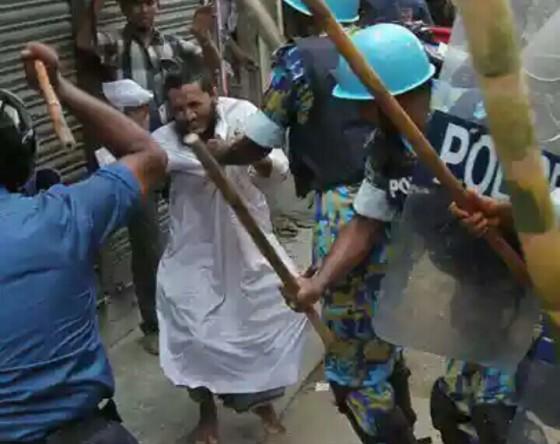 Aksi kekerasan polisi Myanmar terhadap Muslim Rohingya