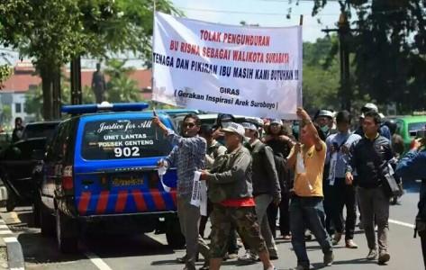 Rakyat Surabaya masih butuh Bu Risma