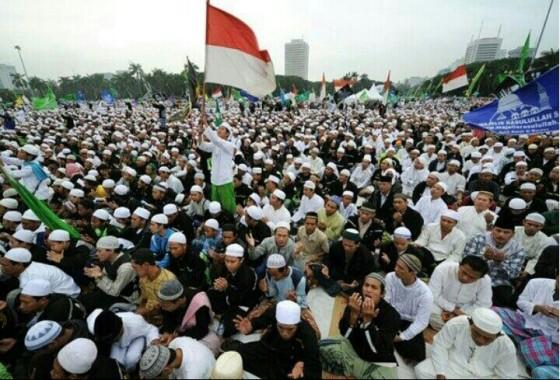 Penduduk Muslim di Indonesia. (foto: nationalpost)