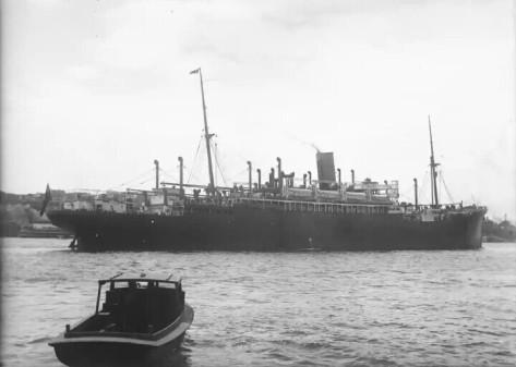 SS Moreton, salah satu kapal Belanda yang diboikot