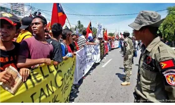 ksi protes warga Timor Leste di depan Kedutaan Besar Australia di Dili, Maret 2016