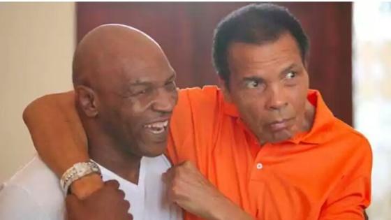 foxsports Mike Tyson(kiri), sangat menghormati Muhammad Ali (kanan).